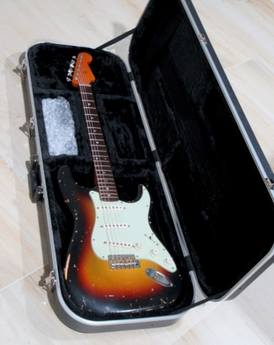 2007 Nash S-63 Stratocaster (1963 reissue) Sunburst finish