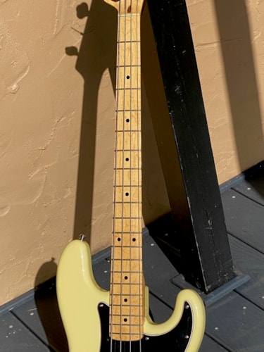 1979/1982 Fender Precision Bass Olympic White super lightweight