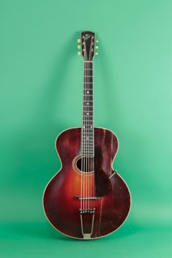 1916 Gibson L4