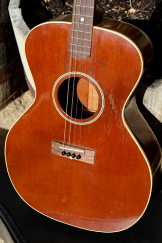 1928 Gibson TGO Mahogany Tenor guitar in excellent original condition.