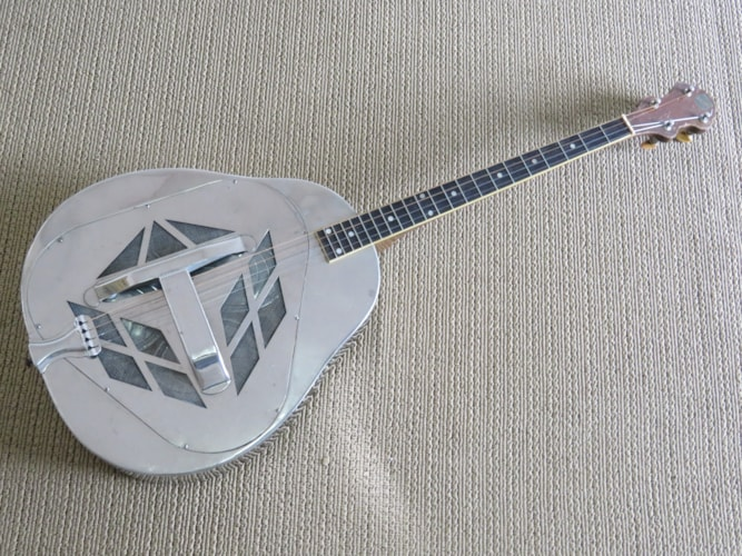 1928 National  style 1 tenor Tricone  silver, Very Good, Original Hard, Call For Price!