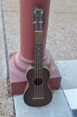 ~1930 Gibson Style 1