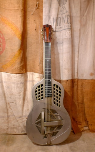 1930 National  Style 1 Tricone Very Good, Hard, $2,850.00