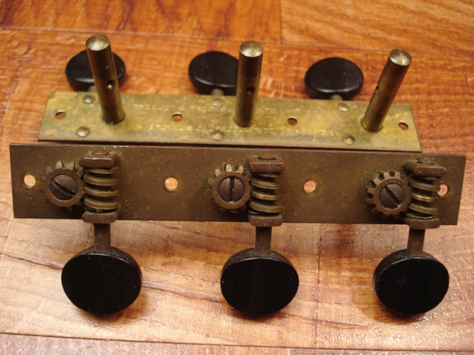 1930 Waverly Tuners Slotted headstock