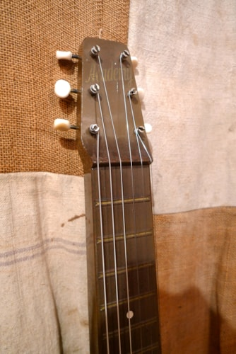 1940 Academy by Rickenbacker Bakelite Lap Steel Very Good, Soft, $650.00