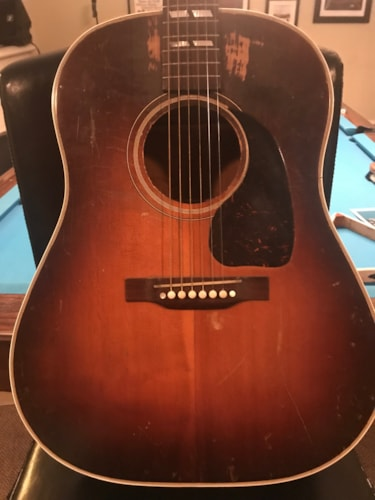 1943 Gibson  Southern Jumbo  Excellent, Hard, $11,500.00