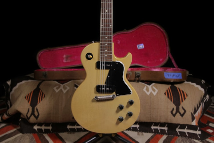 1956 Gibson Les Paul TV Special TV Yellow, Excellent, Original Hard, $13,500.00