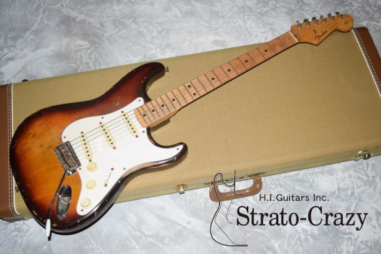 1957 Fender Stratoca Sunburst, Very Good, Hard