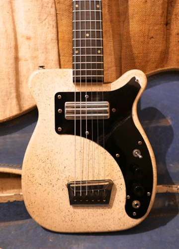 1958 Alamo Texan Speckled White