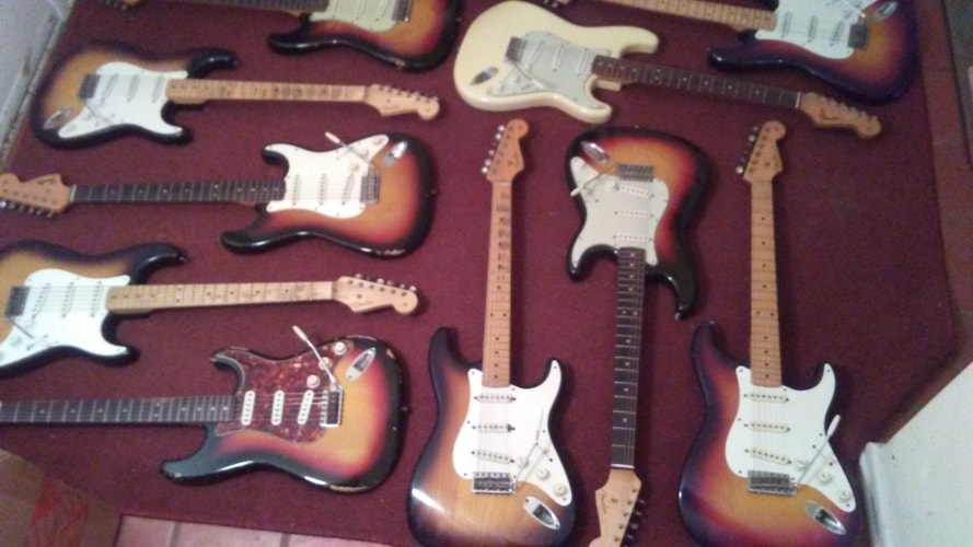 1958 Fender® Stratocaster® sunburst, Excellent, Original Hard