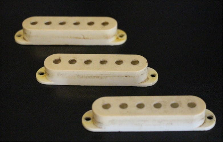 1959 Fender 1959-64 Stratocaster Pickup Covers Excellent