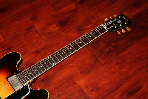 1959 Gibson  ES-335 Dot Neck  Sunburst, Excellent, Original Hard