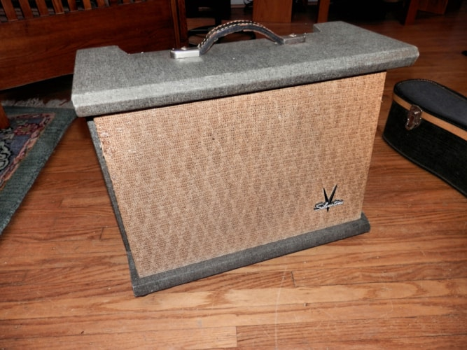 1959 Silvertone Model 1432 Gray  /wheat, Excellent