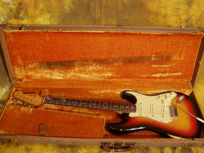 1960 Fender® Stratocaster® Sunburst, Excellent, Original Hard