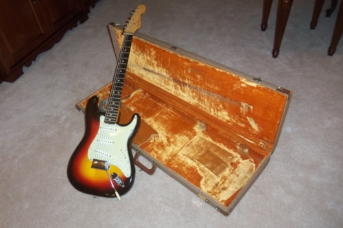 1961 Fender® Stratocaster® Sunburst, Excellent, Original Hard,