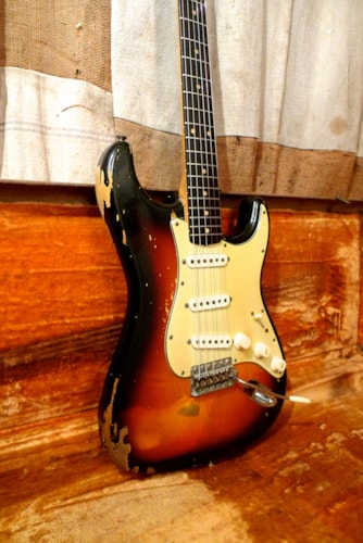 Southside Paint And Body >> 1962 Fender Stratocaster Sunburst > Guitars Electric Solid ...