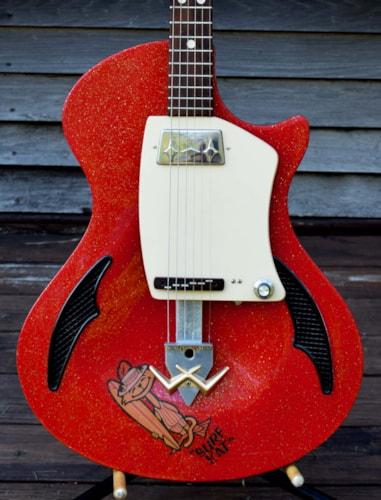 1962 Wandre Blue Jeans red / gold sparkle, Excellent,