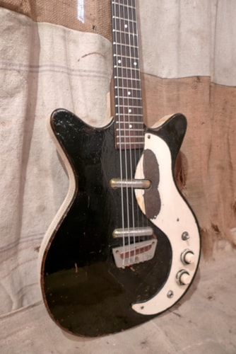 ~1963 Danelectro DC-2 Model 3021 Black - Refin
