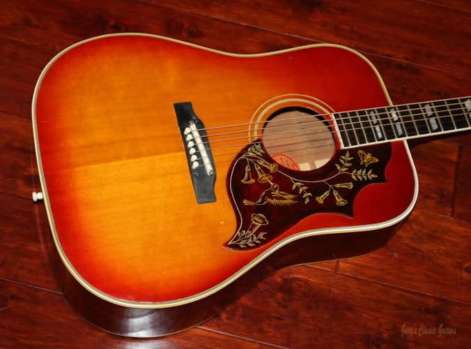 1963 Gibson Hummingbird Cherry Sunburst, Excellent, Hard