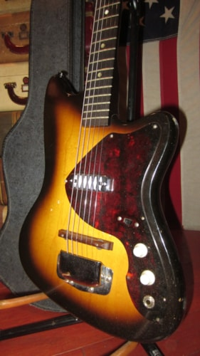 1963 Harmony Airline Bobkat w/Single Diamond DeArmond™ Pickup Sunburst, Excellent, Original Soft, $599.00