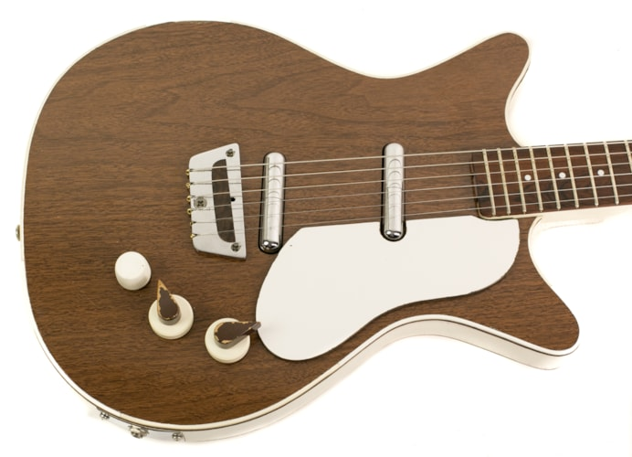 1965 Danelectro Shorthorn Deluxe Walnut, Excellent, Original Hard