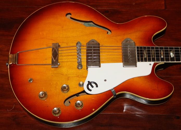1965 Epiphone Casino Sunburst, Very Good, Original Soft
