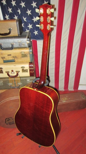 1965 Gibson Hummingbird Sunburst, Excellent, Hard, $3,795.00