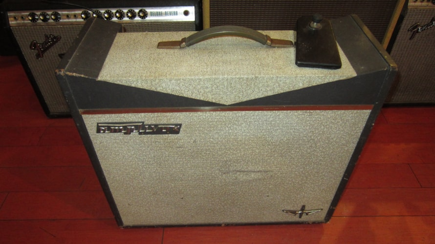 1966 Farfisa Amplivox 18 Amp Grey and White, Excellent