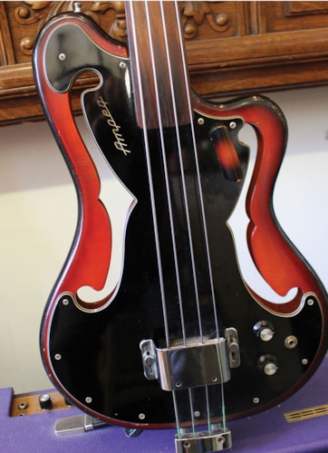 ~1967 AMPEG  AUB-1 Fretless Bass SUNBURST