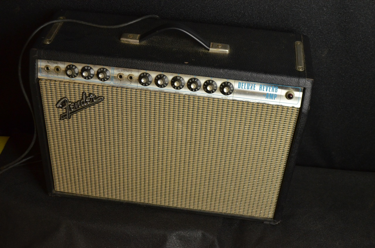 1967 Fender® Deluxe Reverb® Silverface, Very Good, $1,599 00