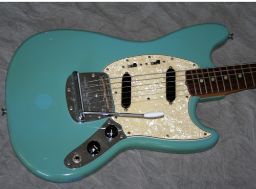 1967 fender mustang fee0630 blue guitars electric solid body gary 39 s classic guitars. Black Bedroom Furniture Sets. Home Design Ideas