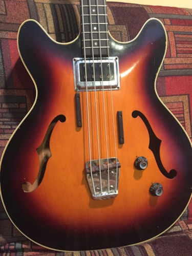 1967 Guild® Starfire™ Bass sunburst, Very Good, Original Hard, $2,399.00