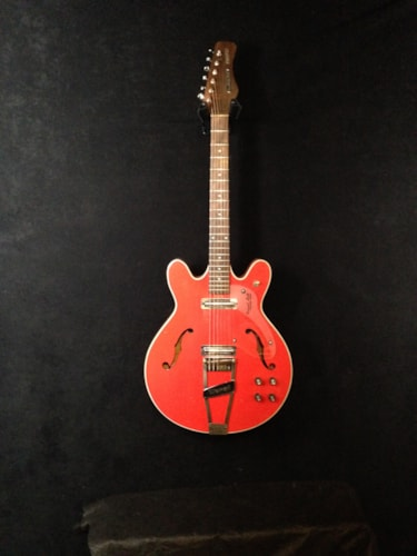 1969 Coral Firefly red, Very Good, GigBag