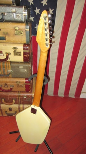 1969 Domino Californian White, Excellent, GigBag, $999.00