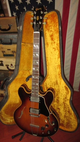 1969 Gibson ES-345 TD Stereo Sunburst, Excellent, Original Hard, $3,999.00