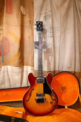 1970 Gibson EB-2D Sunburst, Excellent, Original Hard