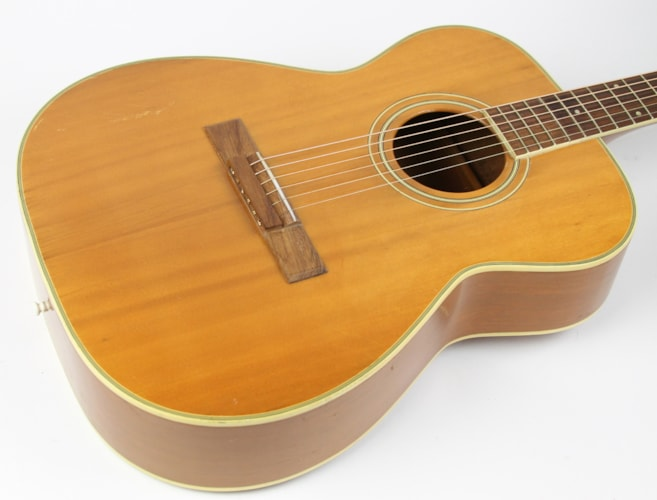 1971 Harmony Sovereign H126 Natural, Very Good, $499.00