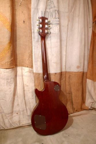 1972 Gibson LES PAUL DELUXE Cherry Red, Good, Hard, $2,650.00