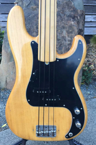 1975 Fender Fretless 4-String P-Bass (Pre-Owned)