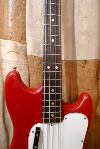1975 Fender Musicmaster Bass Red