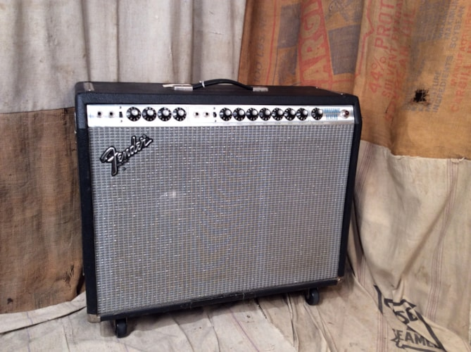 1978 Fender® Vibrosonic Reverb Silverface, Very Good, $1,075.00