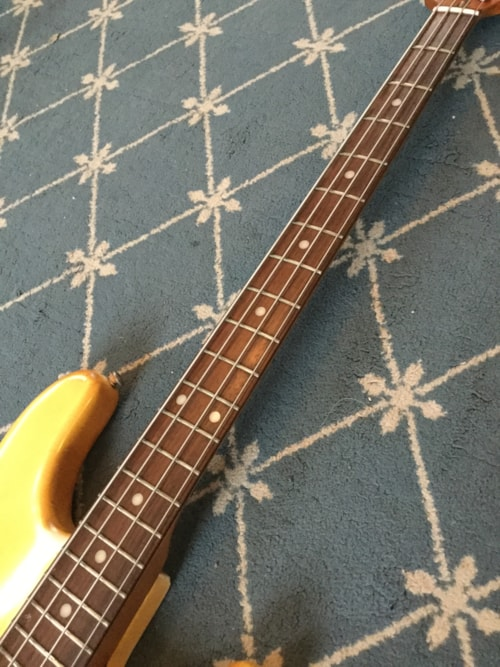 1979 music man stingray bass guitar yellowed olympic white guitars bass mikes music. Black Bedroom Furniture Sets. Home Design Ideas