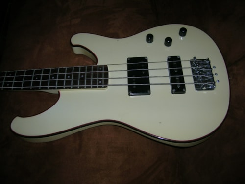 1980 Ibanez ROADSTAR bass RB760 creme, Very Good, Hard