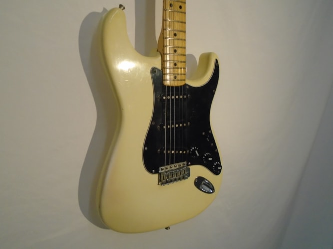 1981 Fender Stratocaster Olympic White, Excellent