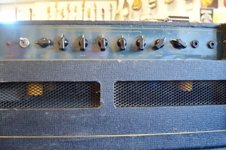 1982 VOX V-125 Lead head and 2x12 cab Good