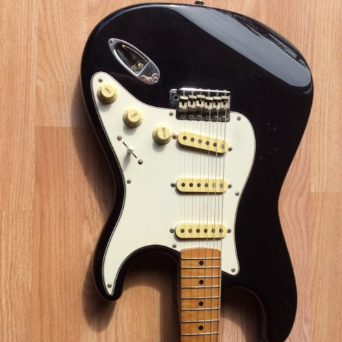 1984 Fender Stratocaster Black, Excellent, Original Hard
