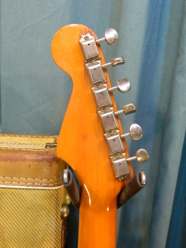 1984 Fender Stratocaster Two-Tone Sunburst