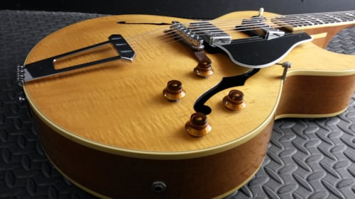 1985 Gibson SUPER SWEET VINTAGE 1985 GIBSON ES-175 D BLONDE FLAME NEAR M Natural Blonde, Near Mint, Original Hard