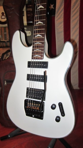 1985 Guild® Burnside White, Excellent, Original Soft, $295.00