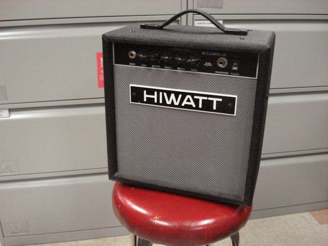 1990 Hiwatt Bulldog 10  Black, Very Good